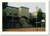 Campo-di-calcetto-ed-ingresso-principale